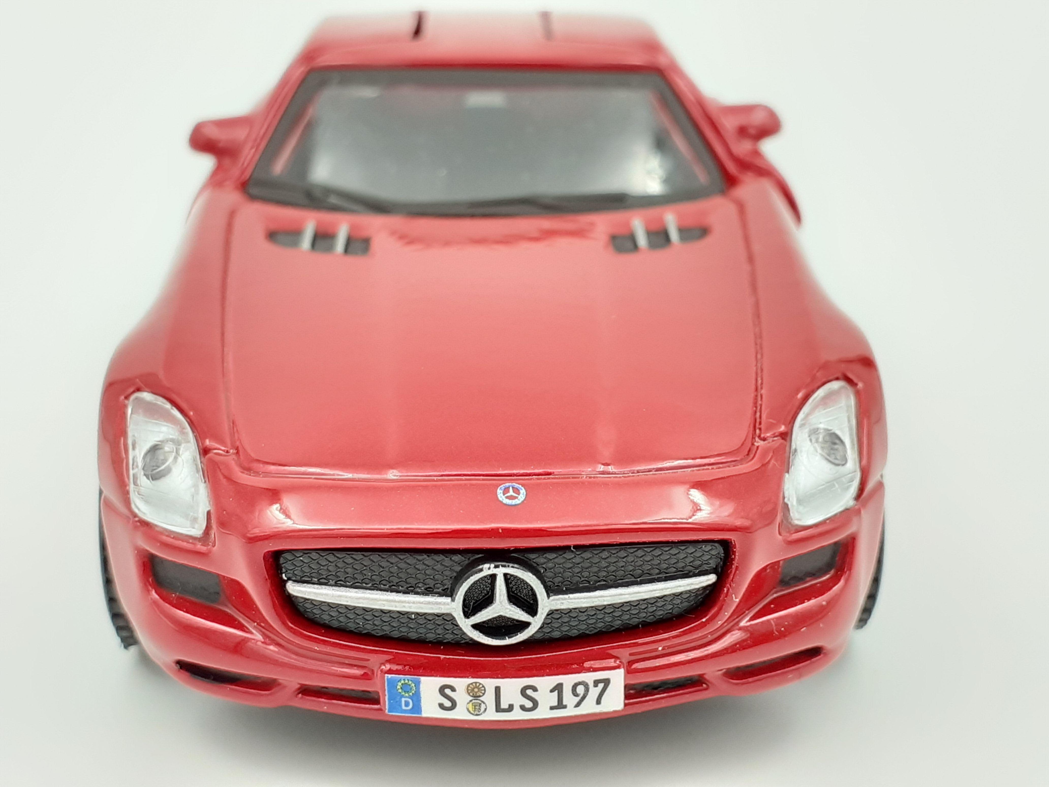 Maisto Mercedes Benz SLS AMG 1:40